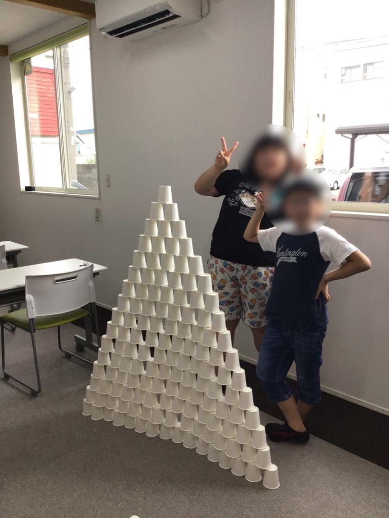 紙コップタワーを作りました